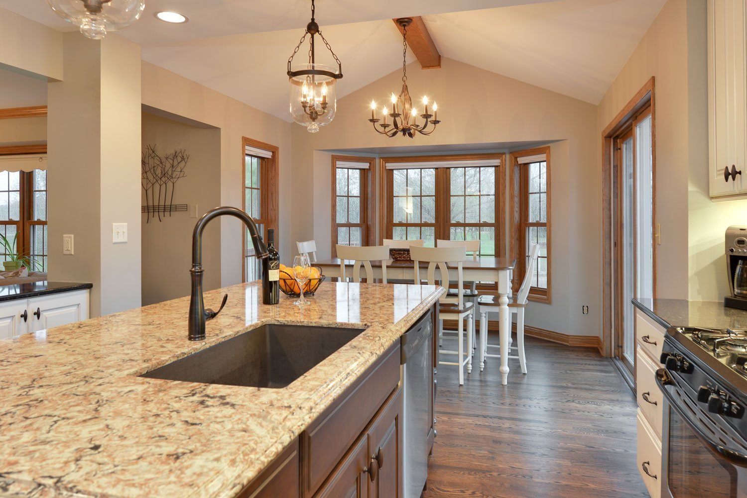 Traditional Lake Country kitchen