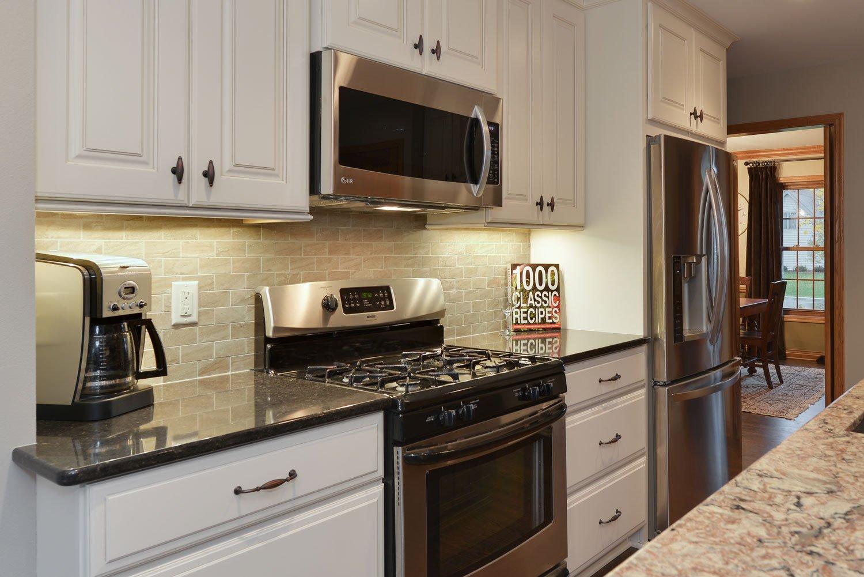 Nashotah-kitchen-remodel-stove