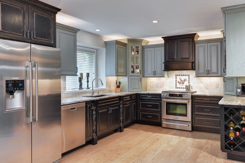 Hardwood Flooring vs Laminate vs Tile For Your Kitchen
