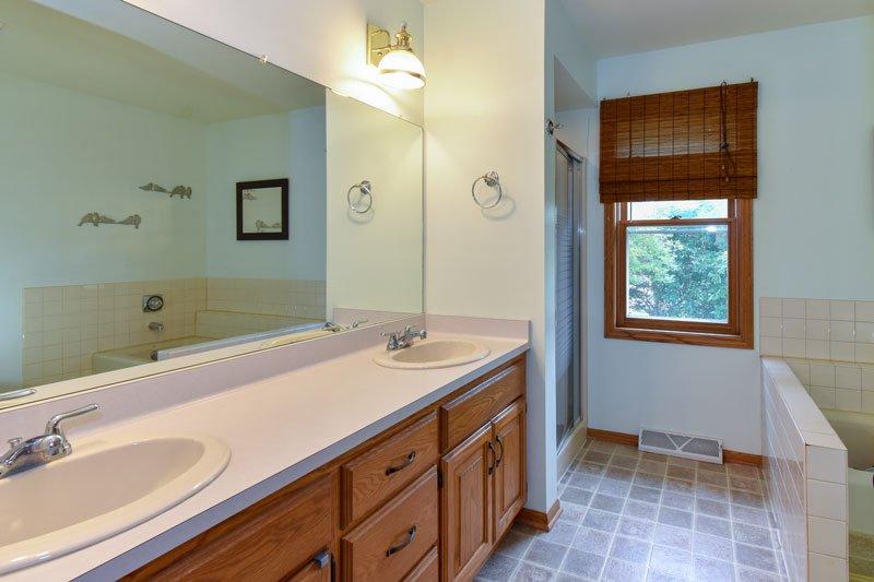 Brookfield bathroom vanity before remodel
