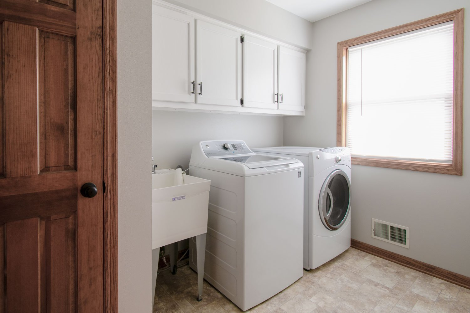 Waukesha traditional laundry room