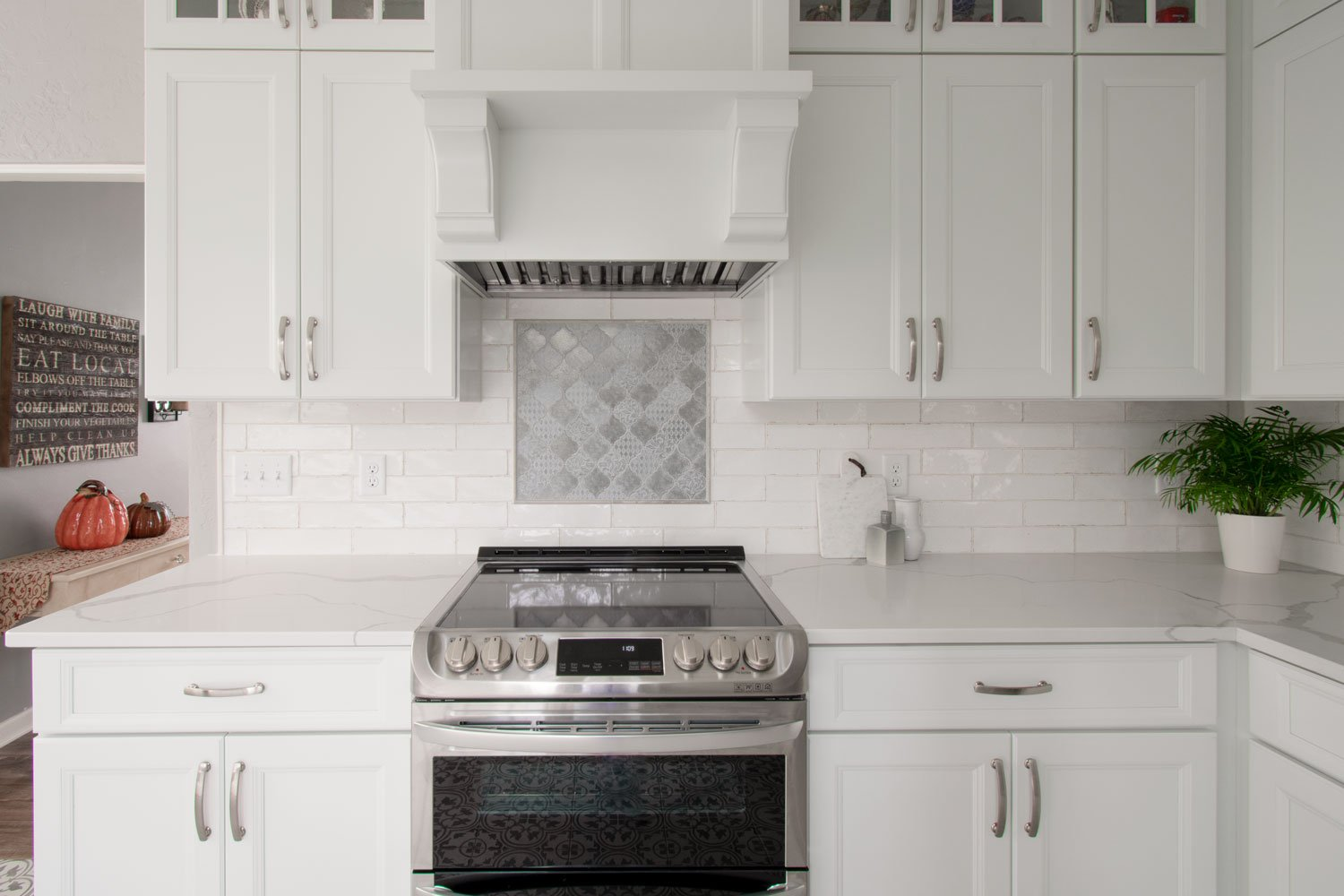 Wauwatosa Traditional White Kitchen Stove